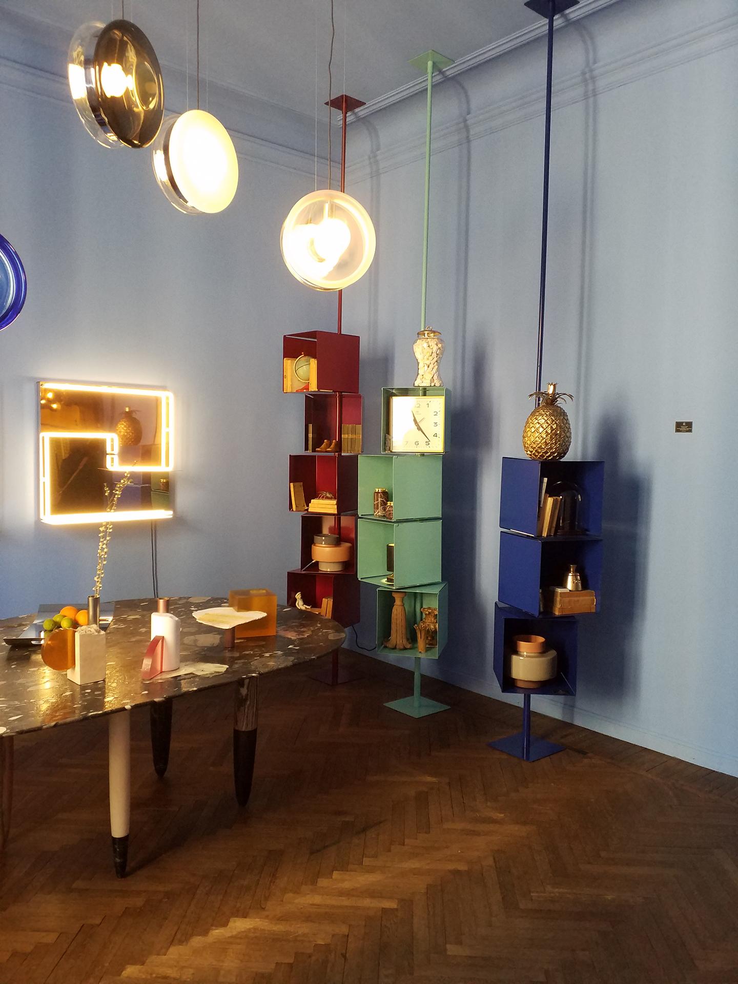 salle d'exposition de PALERMOUNO ; le Salon
